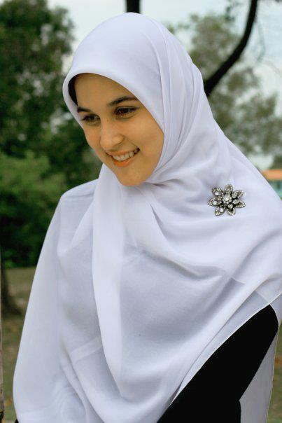 alba single muslim girls If you have found an attractive muslim girl whom you want to ask out on a date, these 10 tips for dating muslim girls will really help you although girls do have a lot of common characteristics, their natures are certainly influenced by their cultures and it would help you to know what to do.